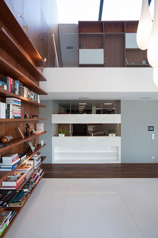 MOBIUS ARCHITEKCI PRZEMEK OLCZYK 现代客厅設計點子、靈感 & 圖片