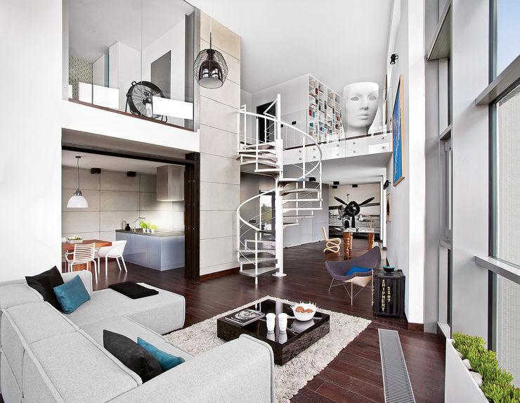 justyna smolec architektura & design Pasillos, vestíbulos y escaleras industriales
