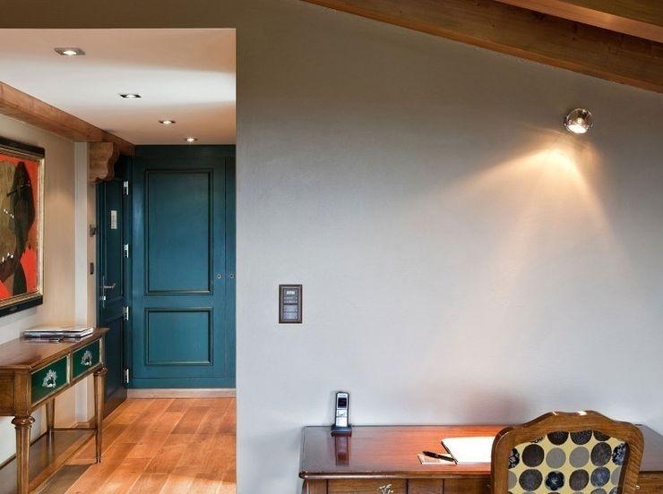 Lampcommerce Коридор, коридор і сходиОсвітлення