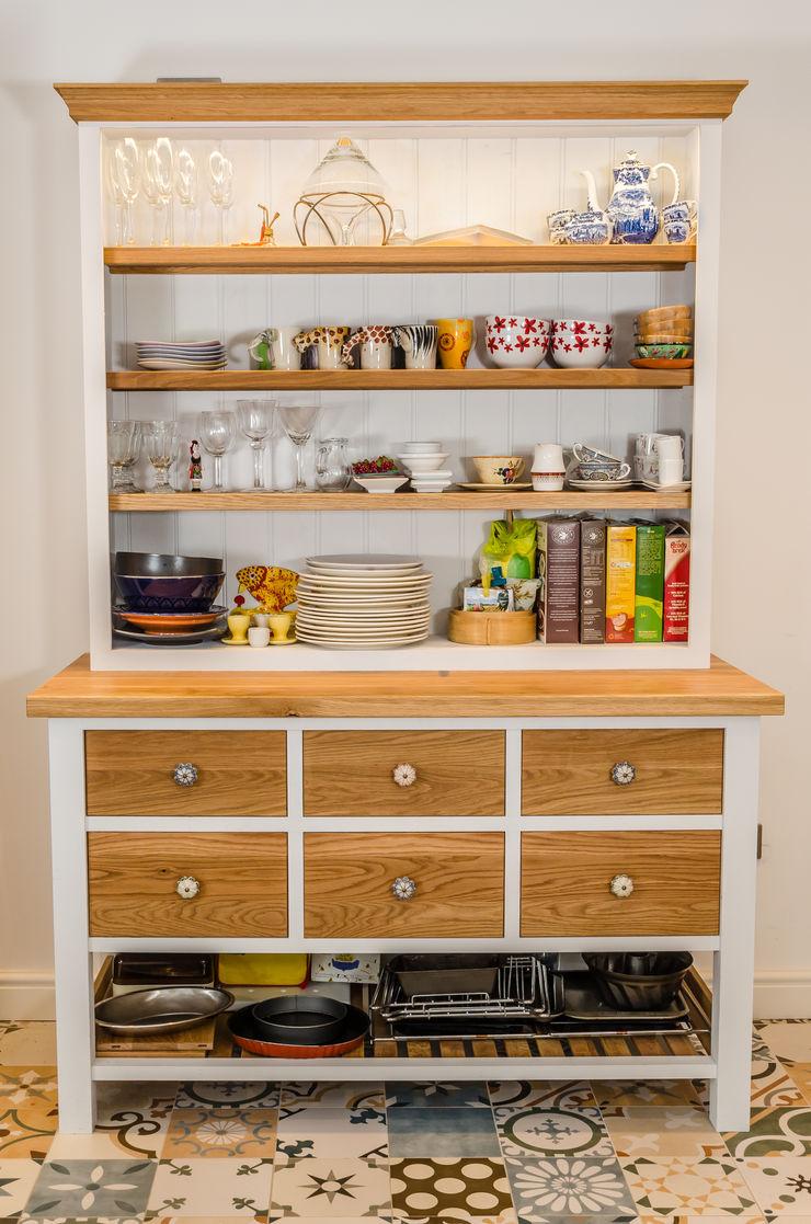Painted kitchen Clachan Wood KücheSchränke und Regale