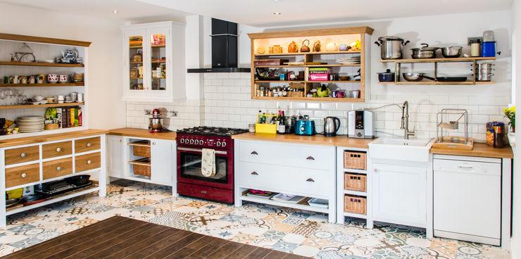 Painted kitchen Clachan Wood Moderne Küchen
