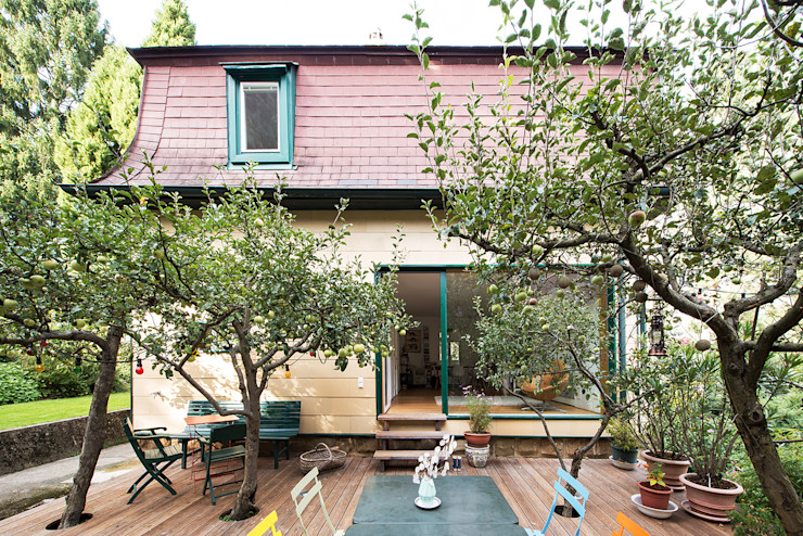 Franz&Sue Eclectic style balcony, veranda & terrace