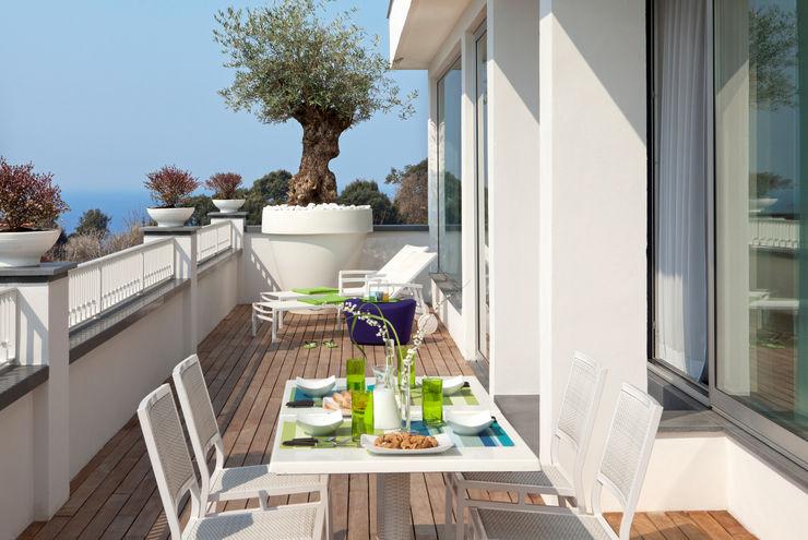 Terrazzo PDV studio di progettazione Balcone, Veranda & TerrazzoMobili