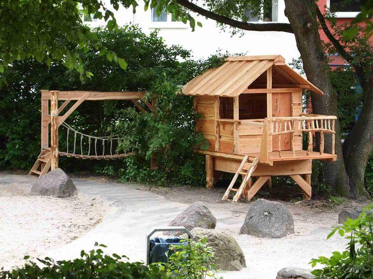 Baumhäuser für Kinder Almhütte Naturholz- Manufaktur GmbH Rustikale Kinderzimmer