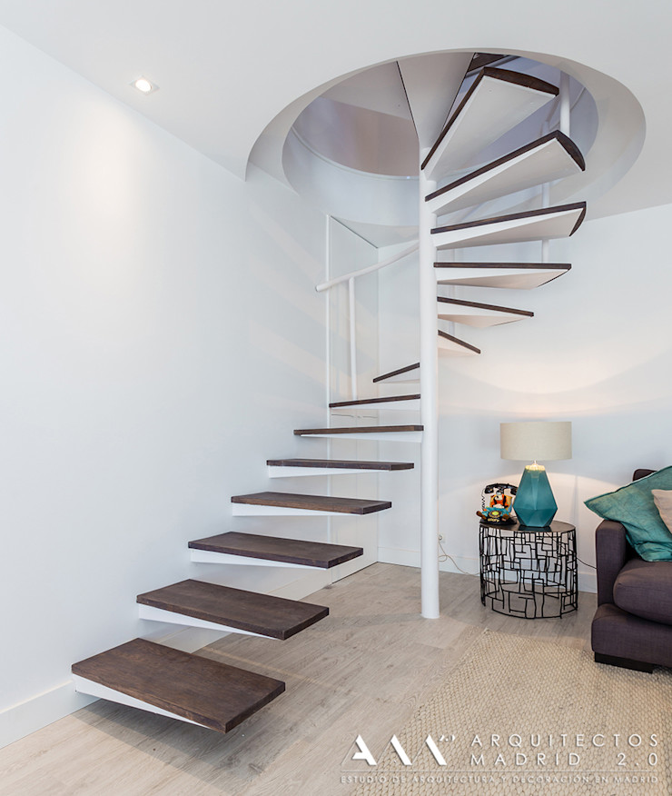 reforma de escalera de caracol Arquitectos Madrid 2.0 Pasillos, vestíbulos y escaleras de estilo moderno