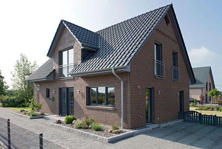 Musterhaus Lüneburg: Norddeutscher Haustyp mit Charme Heinz von Heiden GmbH Massivhäuser Klassische Häuser