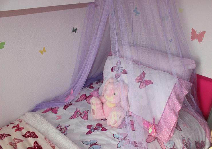 Canopy over Kaitlyn's bed MK Kid Interiors 모던스타일 침실