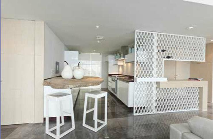 Torre Zafiro Relieves Cocinas minimalistas Tablero DM Blanco