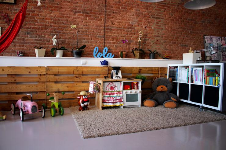 SMMARQUITECTURA Industrial style nursery/kids room