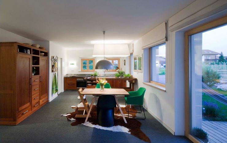 w. raum Architektur + Innenarchitektur Country style kitchen