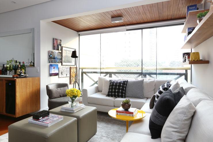 Now Arquitetura e Interiores Moderne Wohnzimmer