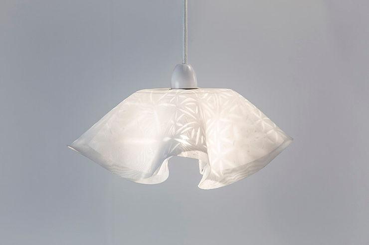 Wayang Light - Glass homify AnkleidezimmerBeleuchtungen