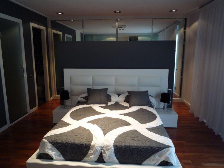 Aris & Paco Camús Modern style bedroom