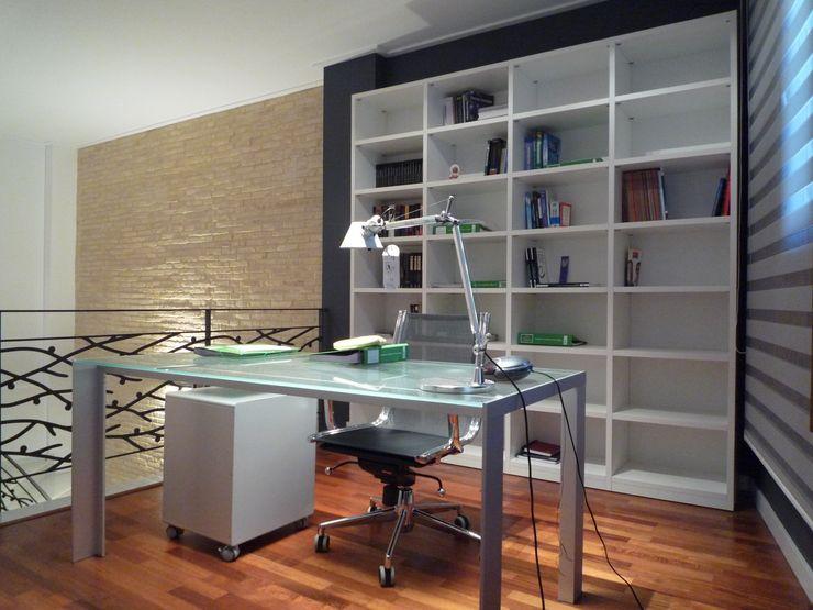 Aris & Paco Camús Modern study/office