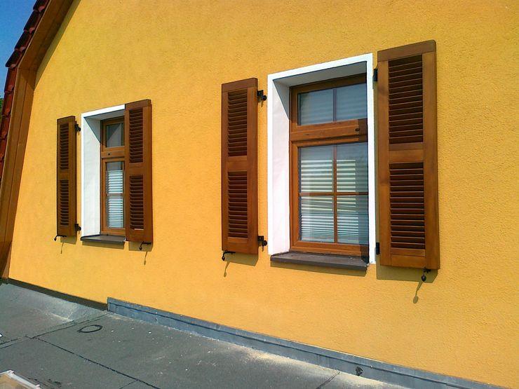 homify 窗戶與門百葉窗與捲簾 木頭
