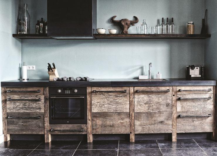 homify Industriale Küchen Holz