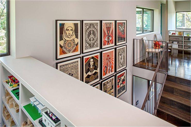 West Lake Hills Residence Specht Architects Modern corridor, hallway & stairs