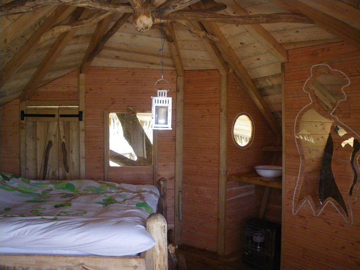 """Chambre de la cabane du """"Vieux Chêne"""" Les cabanes de Fontaine ChambreAccessoires & décorations"""