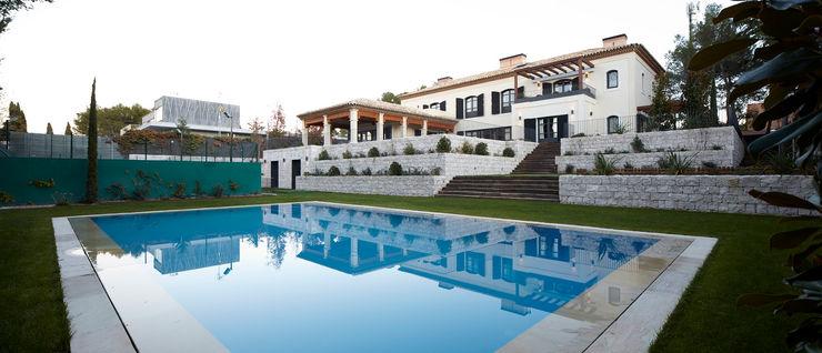 Serrano Suñer Arquitectura Classic style houses