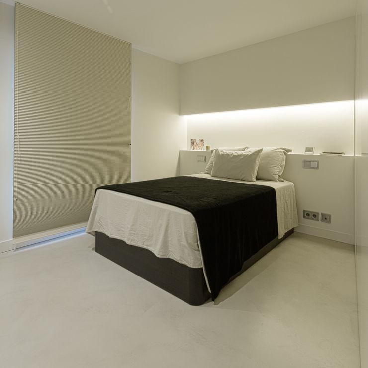 VIVIENDA RN mae arquitectura Dormitorios de estilo moderno