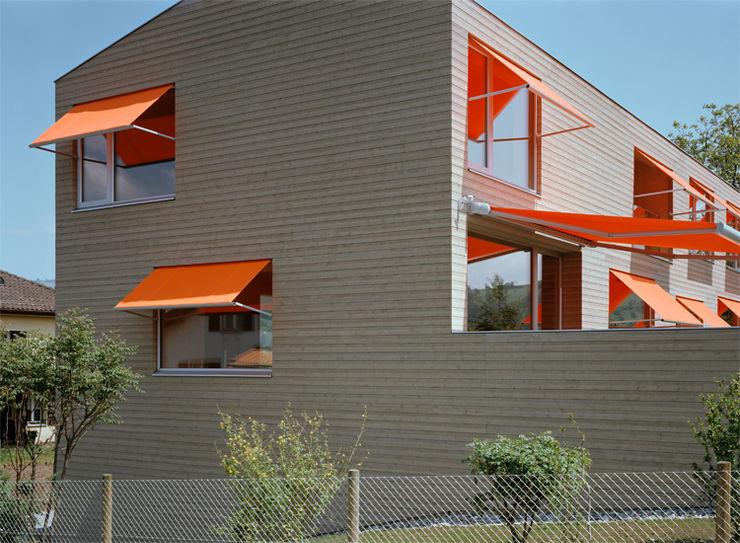Neubau Doppeleinfamilienhaus Gut Deubelbeiss Architekten AG Minimalistische Häuser