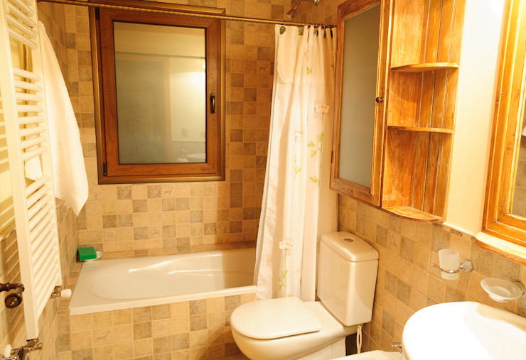 Patagonia Log Homes - Arquitectos - Neuquén ห้องน้ำ กระเบื้อง Beige
