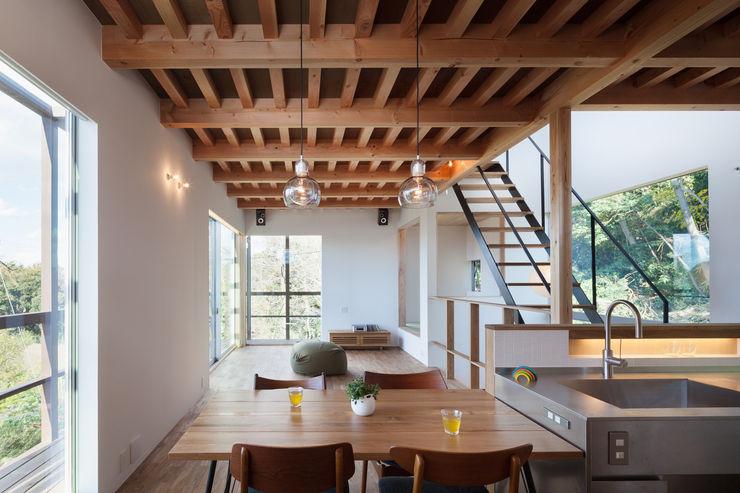 2階ダイニング HAN環境・建築設計事務所 モダンデザインの ダイニング 木 木目調