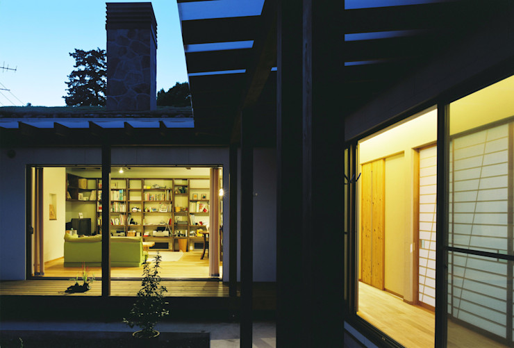 小栗建築設計室 Rustic style house Wood Blue