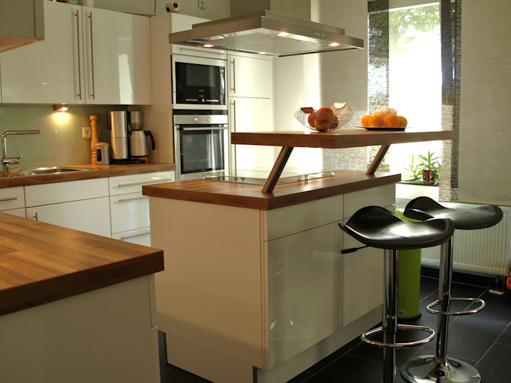 Jokiel Immobilien KitchenCabinets & shelves