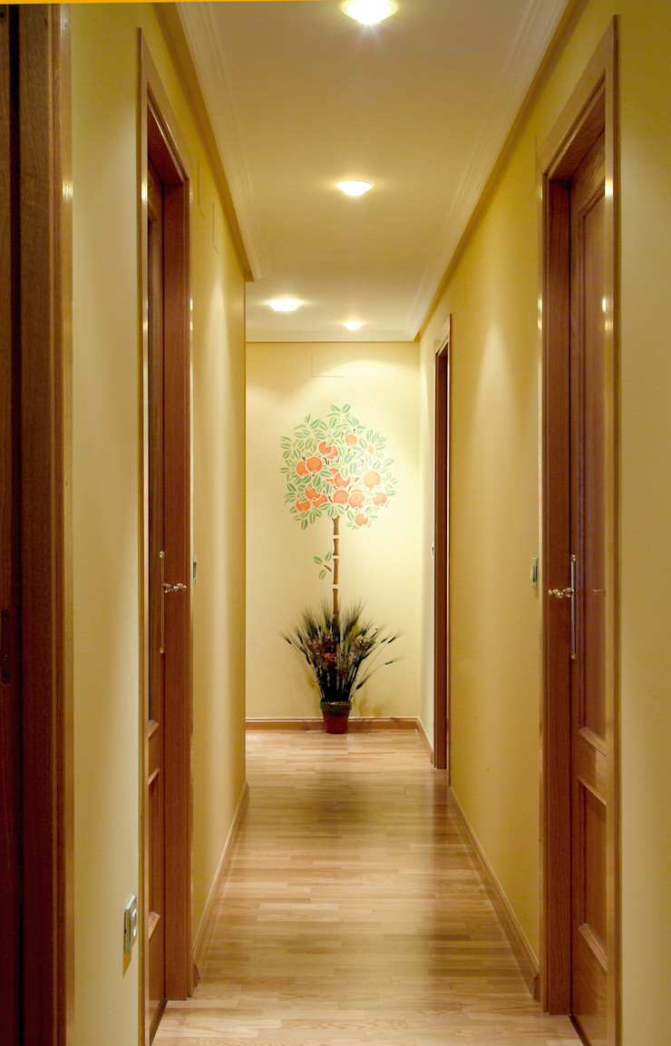 Pinturas oliváN Country style corridor, hallway& stairs Synthetic Yellow