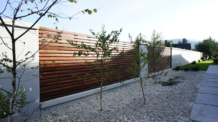 Contractors Modern garden Wood Grey