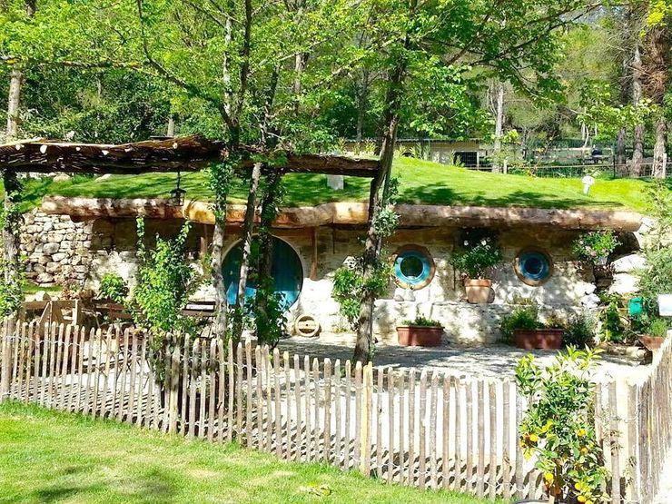 TANIERE DE BILBO LE HOBBIT à FLAYOSC (var) Cabanes du Varon MaisonPlantes et accessoires