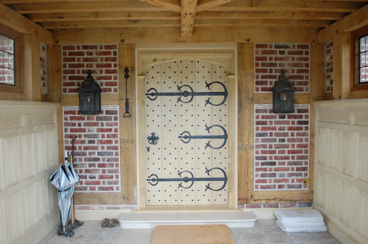 Large Decorative Front Door Arttus 房子