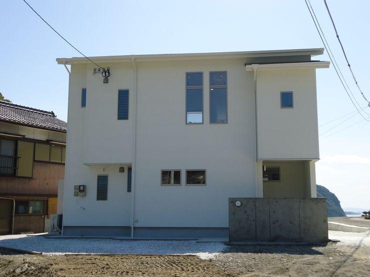 鶴巻デザイン室 Modern Houses