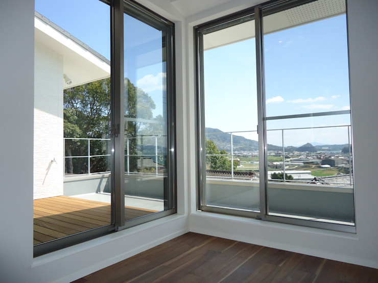 鶴巻デザイン室 Modern Terrace