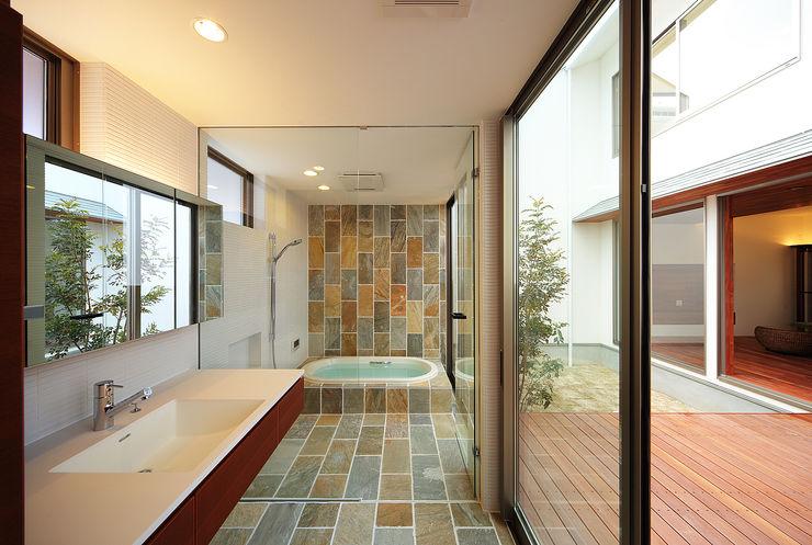 一級建築士事務所haus Baños de estilo asiático