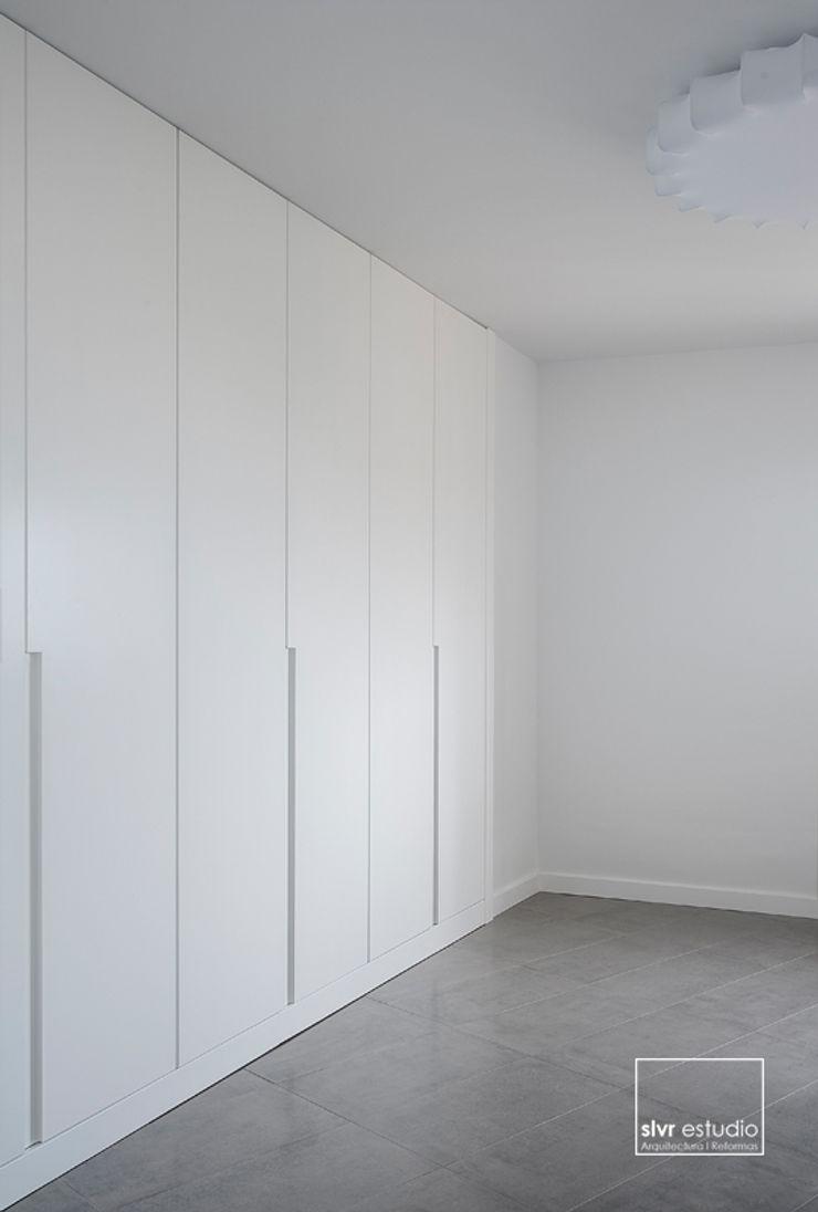 slvr estudio Minimalist dressing room