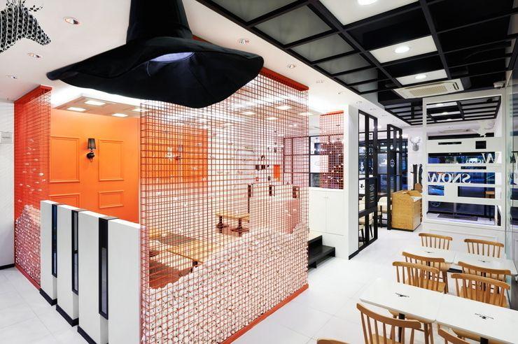 Design m4 Espacios comerciales de estilo moderno