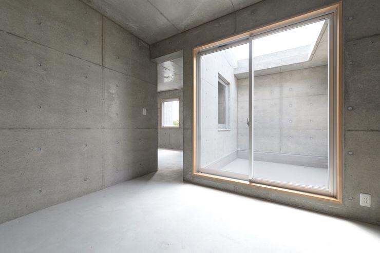 市原忍建築設計事務所 / Shinobu Ichihara Architects Modern Balkon, Veranda & Teras