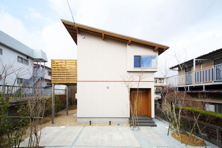 太陽の光が室内中に行きわたる片流れ屋根の住まい 株式会社 建築工房零 オリジナルな 家