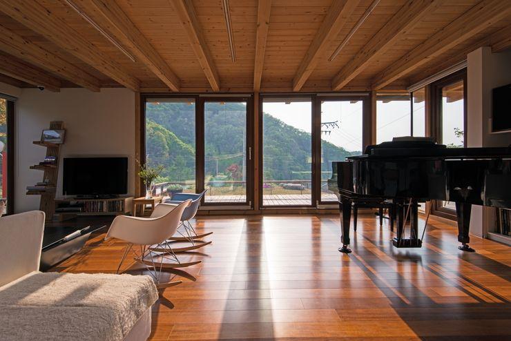 Seo-Kyeong-Dab-Ka (西景答家) KAWA Design Group Modern living room