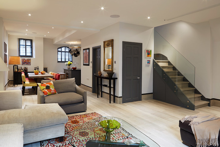 OPEN PLAN LIVING, DINING AND KITCHEN IS AND REN STUDIOS LTD 모던스타일 거실