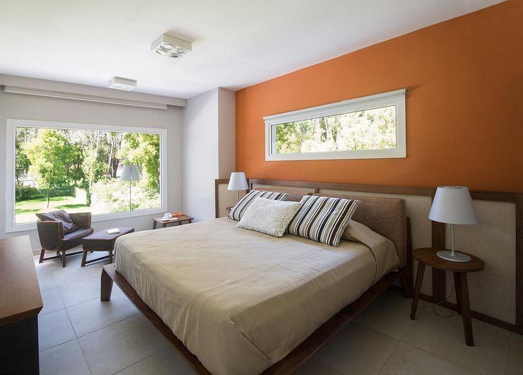 Cariló Estudio Sespede Arquitectos Dormitorios modernos: Ideas, imágenes y decoración