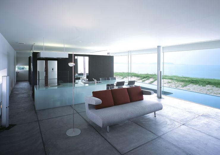 東シナ海を望む家 アトリエ環 建築設計事務所 モダンデザインの リビング