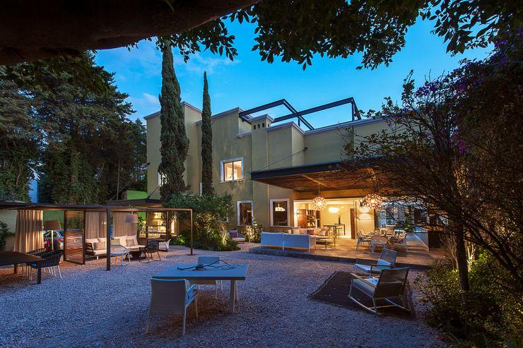 Vieyra Arquitectos Modern houses