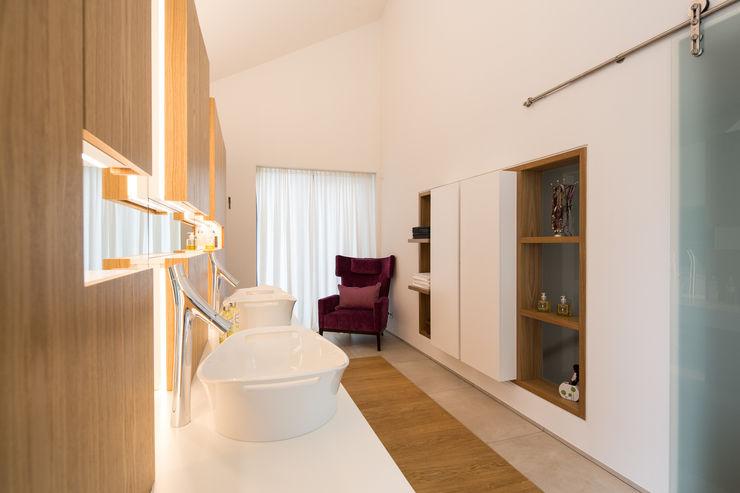Bad schulz.rooms Moderne Badezimmer