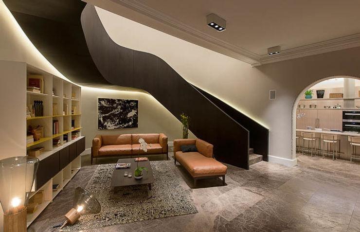 Showroom Reforma 615 Vieyra Arquitectos Pasillos, vestíbulos y escaleras de estilo moderno