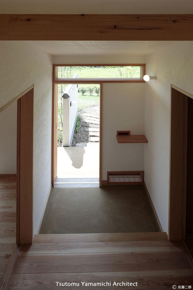 山道勉建築 Asian windows & doors Wood White