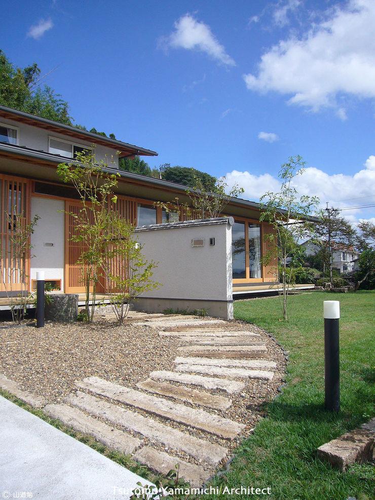 山道勉建築 Asian style houses Wood White