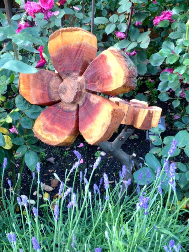Holzblume- oder Pflaumenbaum mal anders. Holzwerkerin Eving GartenAccessoires und Dekoration